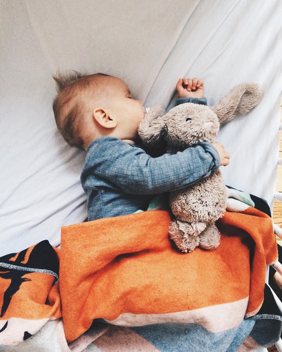 милые картинки с детьми спящими удовлетворения