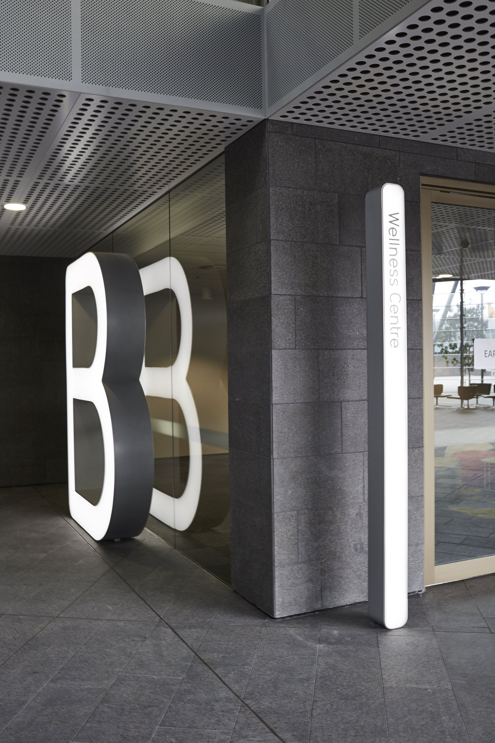 Urbanite designed an integrated signage, wayfinding and environmental branding system for the newly-launched redevelopment of the Qantas HQ in Sydney's Mascot. The redevelopment saw a consolidation of seven disparate buildings across many addresses into one campus style workplace made up of four buildings and connected by a new external spine.