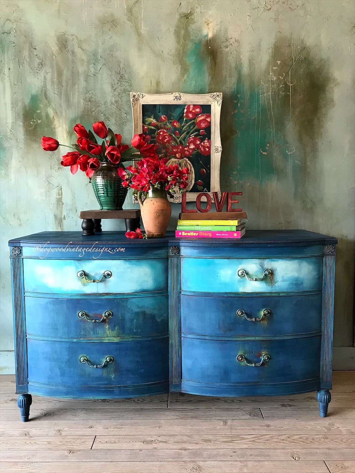 #paintedfurniture #furnitureartist #canvasart #anniesloanhome #upcycle #bohemian #layeredpaint #retro #handpainted #modernfarmhouse #grunge #furnitureflip #chateau #eclecticstyle #retro #vintagefurniture #etsyshop #patina #repurposedvintage #artist #cottagestyle #ilovetopaint #georgia #atlanta #artist #bohostyle #stagingforphotos