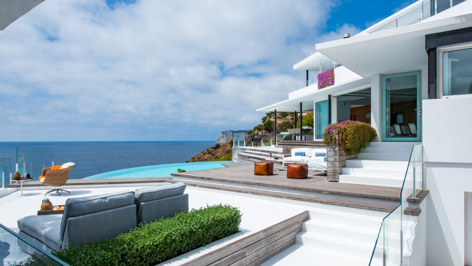 Luxury Villa in Ibiza for rent with direct access to the ...