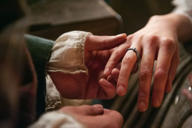 Outlander Wedding All The Details On Mr And Mrs Fraser S