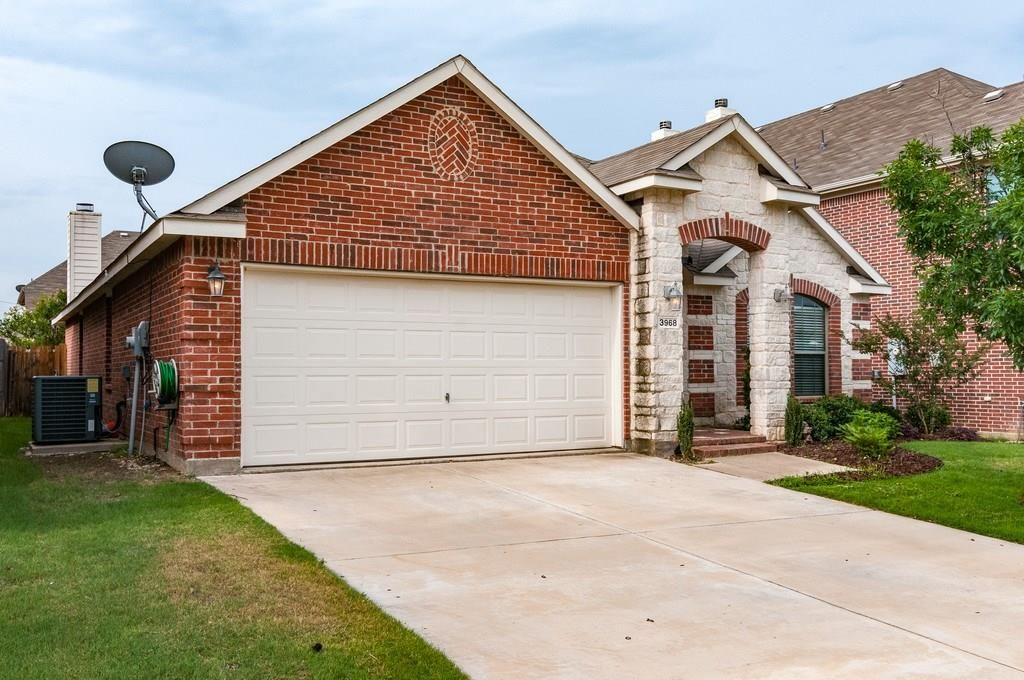 3968 Hollow Lake Rd, Roanoke, TX Must see home! Just listed