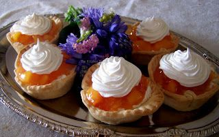TheKitchenCookie: Peach Pie Tarts