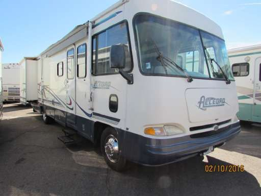 Check out this 2000 Tiffin Allegro 31 listing in Apache