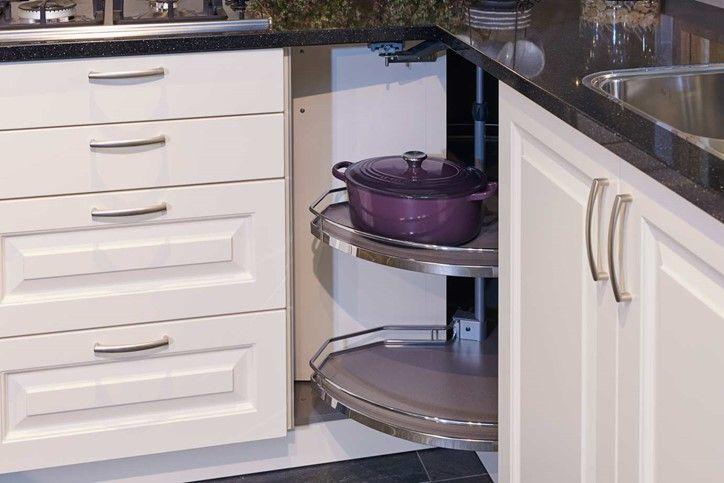 Keuken Handgrepen Landelijk : Klassieke keuken met passende handgrepen keuken handgrepen