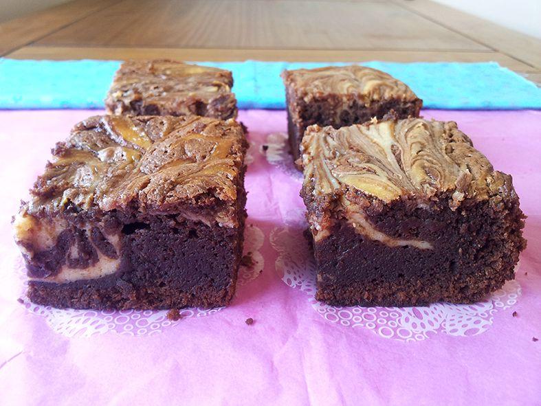 Brownie de chocolate e cream cheese
