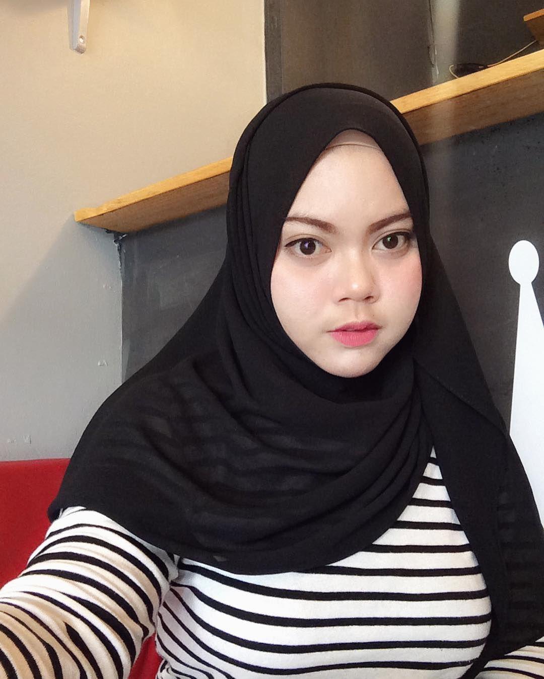 chinese-young-muslim-girls