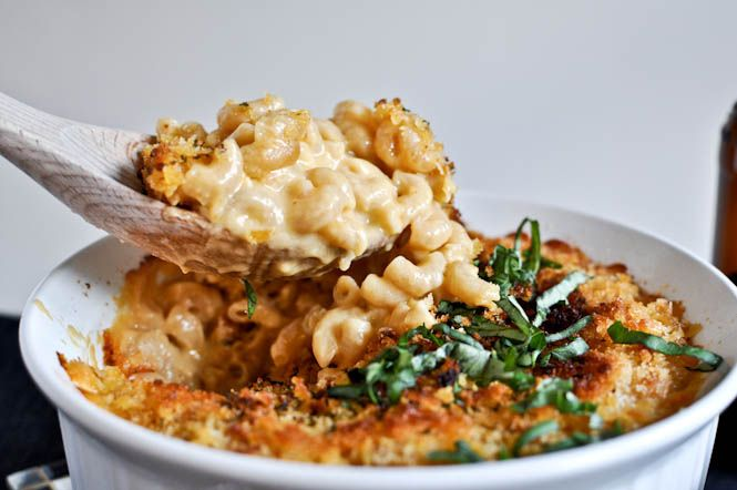 I love recipes with beer in it!  beer mac and cheese
