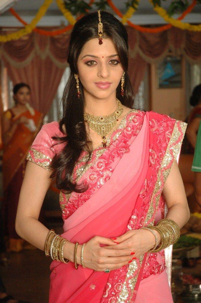 e631edb6e65a Tamil Actress Vedika Saree Back