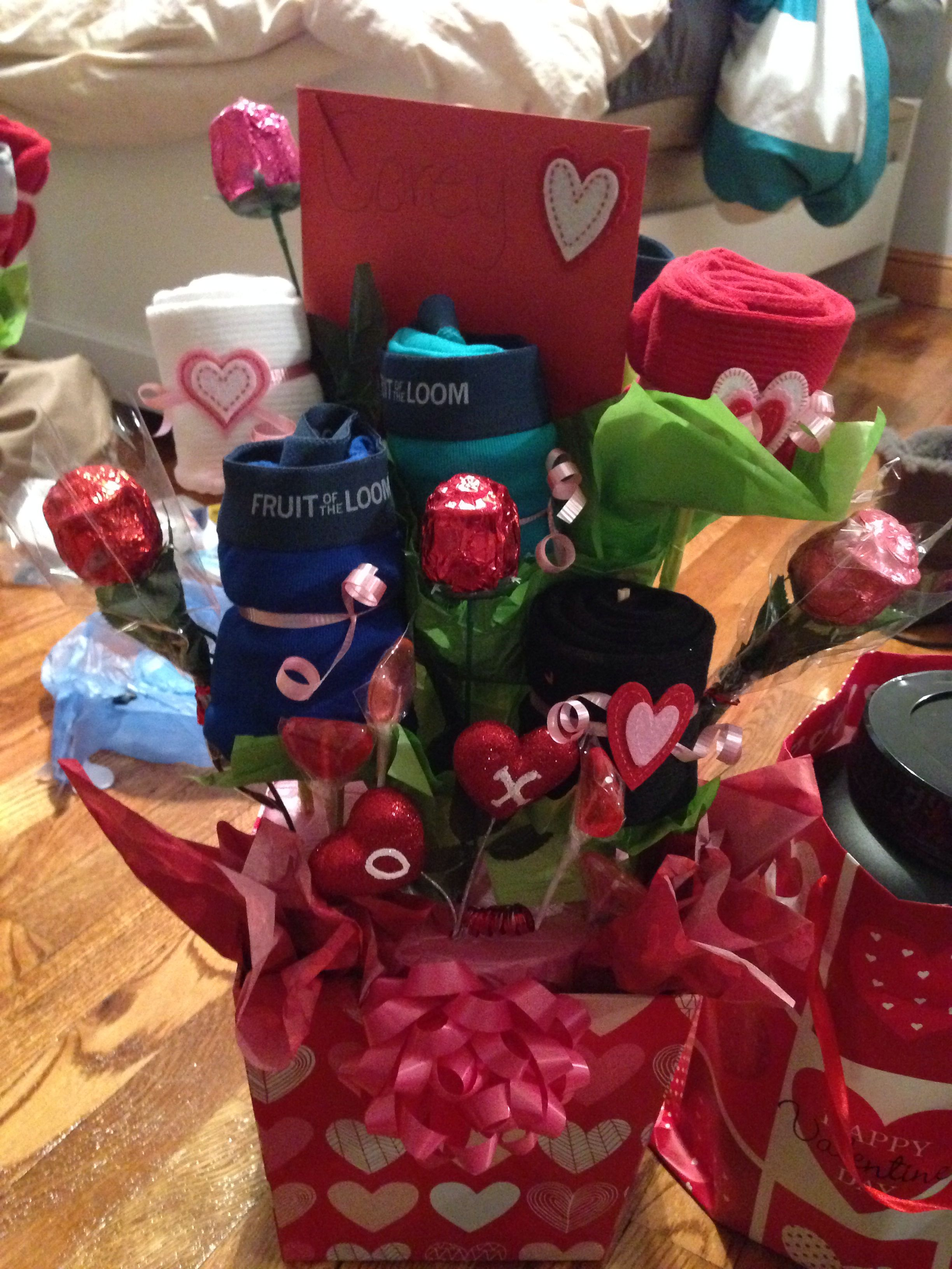 c7e125d505025 Valentines day for him! Simple and he will love it! Find this Pin and more on  DIY Candy Bouquet ...