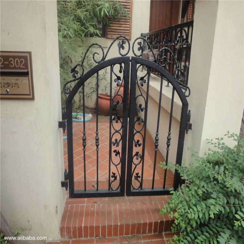 Porton de hierro forjado acceso a una 800 - Puertas de hierro para jardin ...