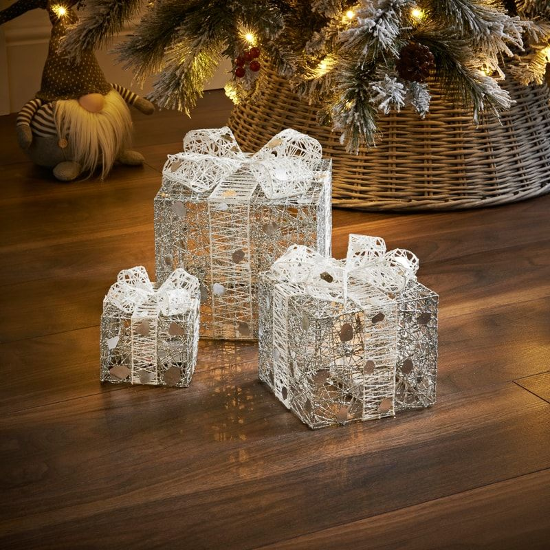 Add A Stunning Festive Decoration To Your Home At Christmas With These Fabulous Light Up Prese Light Up Christmas Presents Light Up Presents Christmas Settings