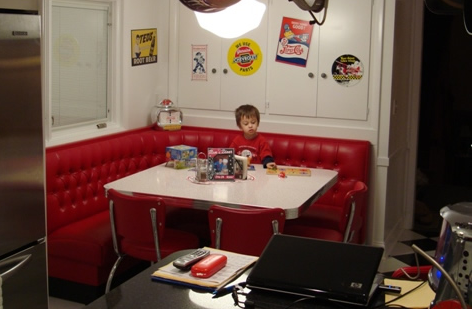 L shaped diner booths restaurant diner kitchen home 1950 39 s kitchen pinterest diner - Kitchen booth furniture ...