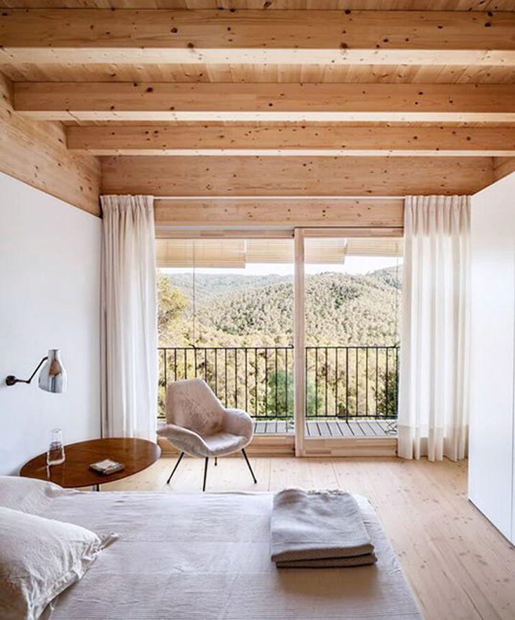 Vigas a la vista en el dormitorio madera techo en 2019 - Techos falsos de madera ...