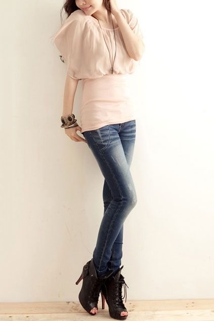 Blouse made of cotton, featuring round neck, short sleeves, contrast chiffon to chest, all in slim fit.