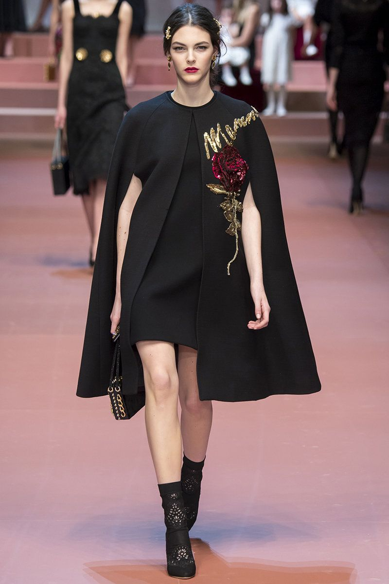 Dolce   Gabbana Fall 2015 RTW Runway - Vogue  b5d82189892