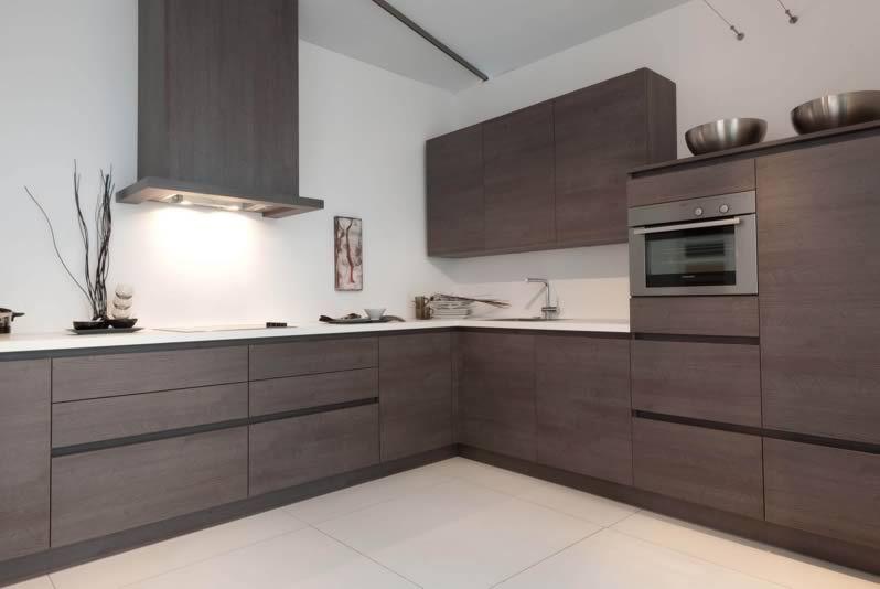 Handleless Kitchen With Matching Carcass Colour Handle Rail Door Colour Dark Oak Range
