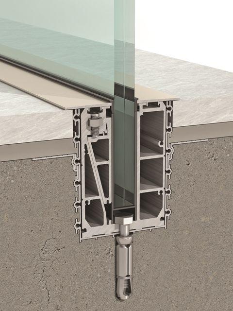 Eine Rahmenlose Verglasung Die Scheibe Wird In Den Boden