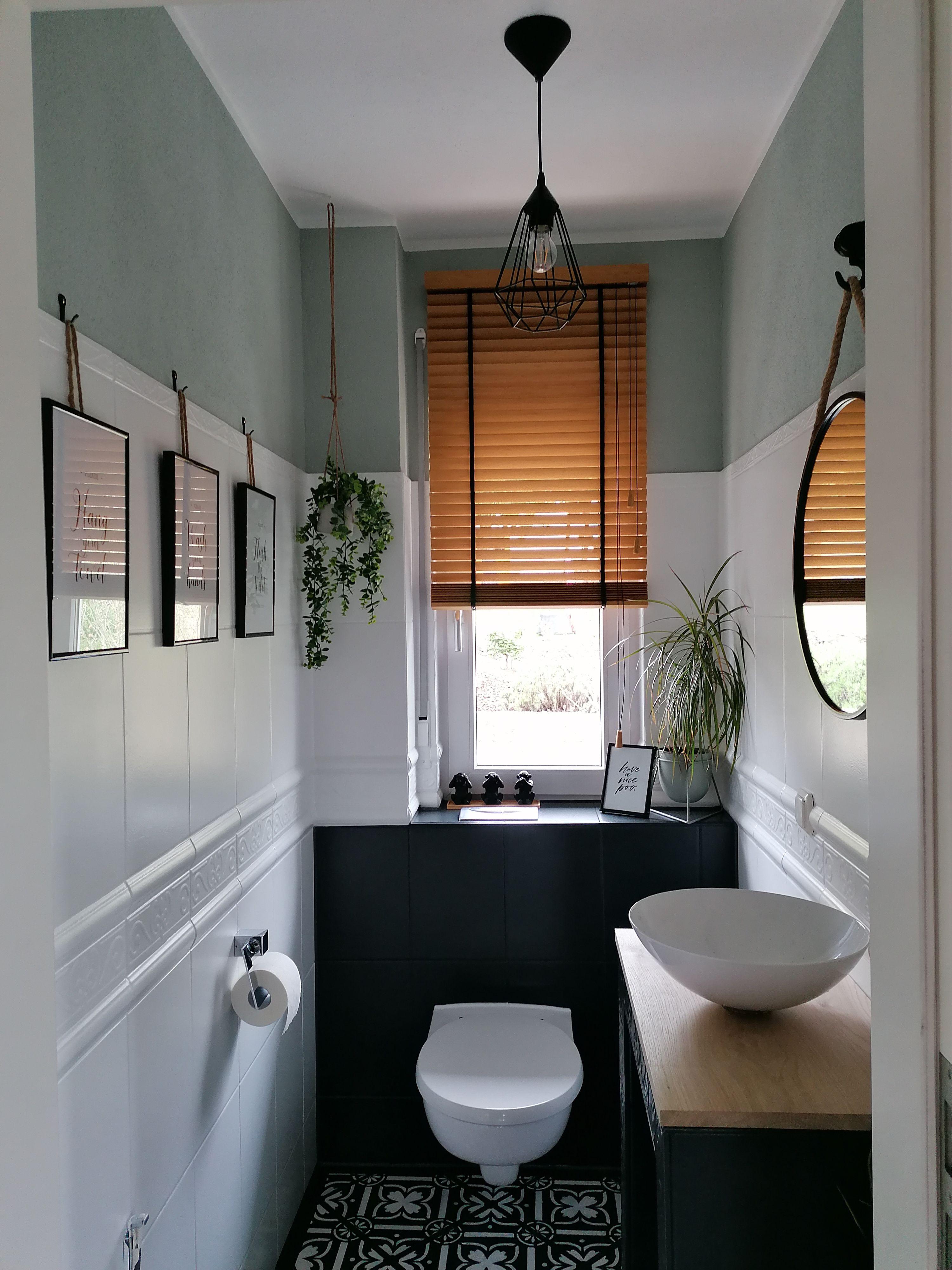 Umgestaltung Gaste Wc In 2020 Fliesenfarbe Gaste Wc Runde Badezimmerspiegel
