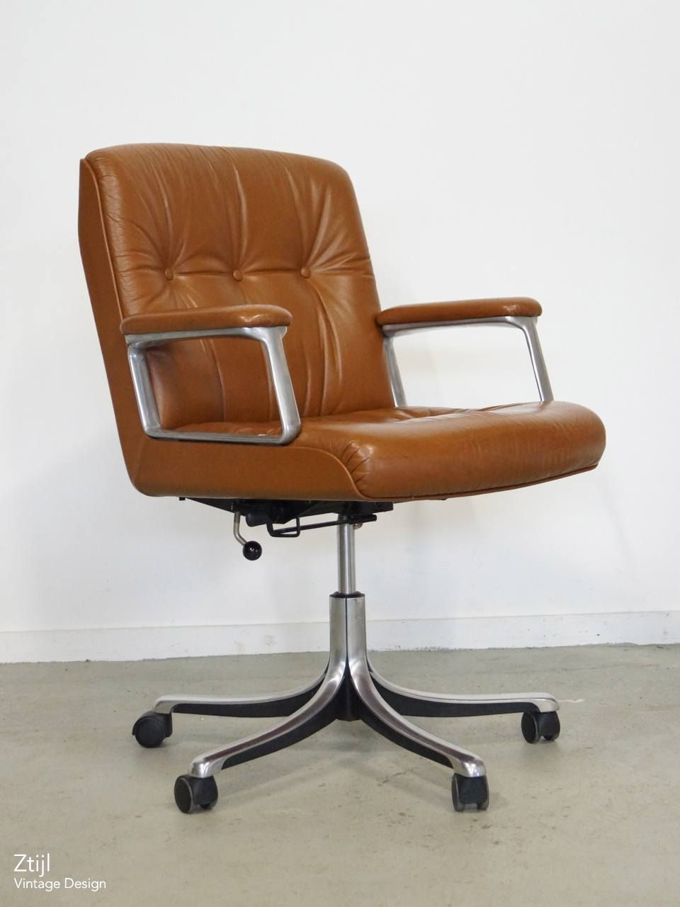 Mid Century Design Osvaldo Borsani Office Chair 70s Ztijl