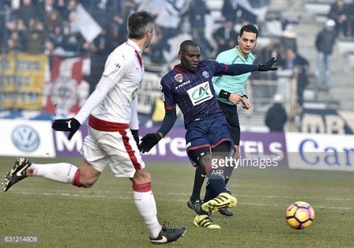 Clermont's Cameroonian midfielder Eugene Ekobo ®... #granollersderocacorba: Clermont's Cameroonian midfielder… #granollersderocacorba