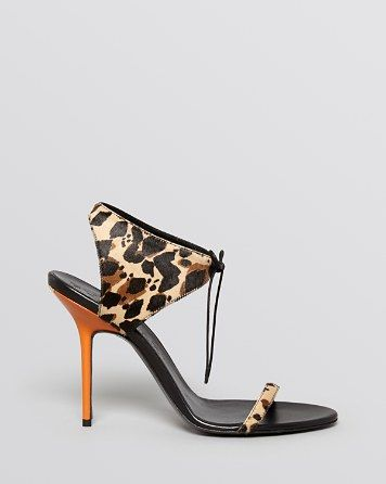 bloomingdales burberry shoes