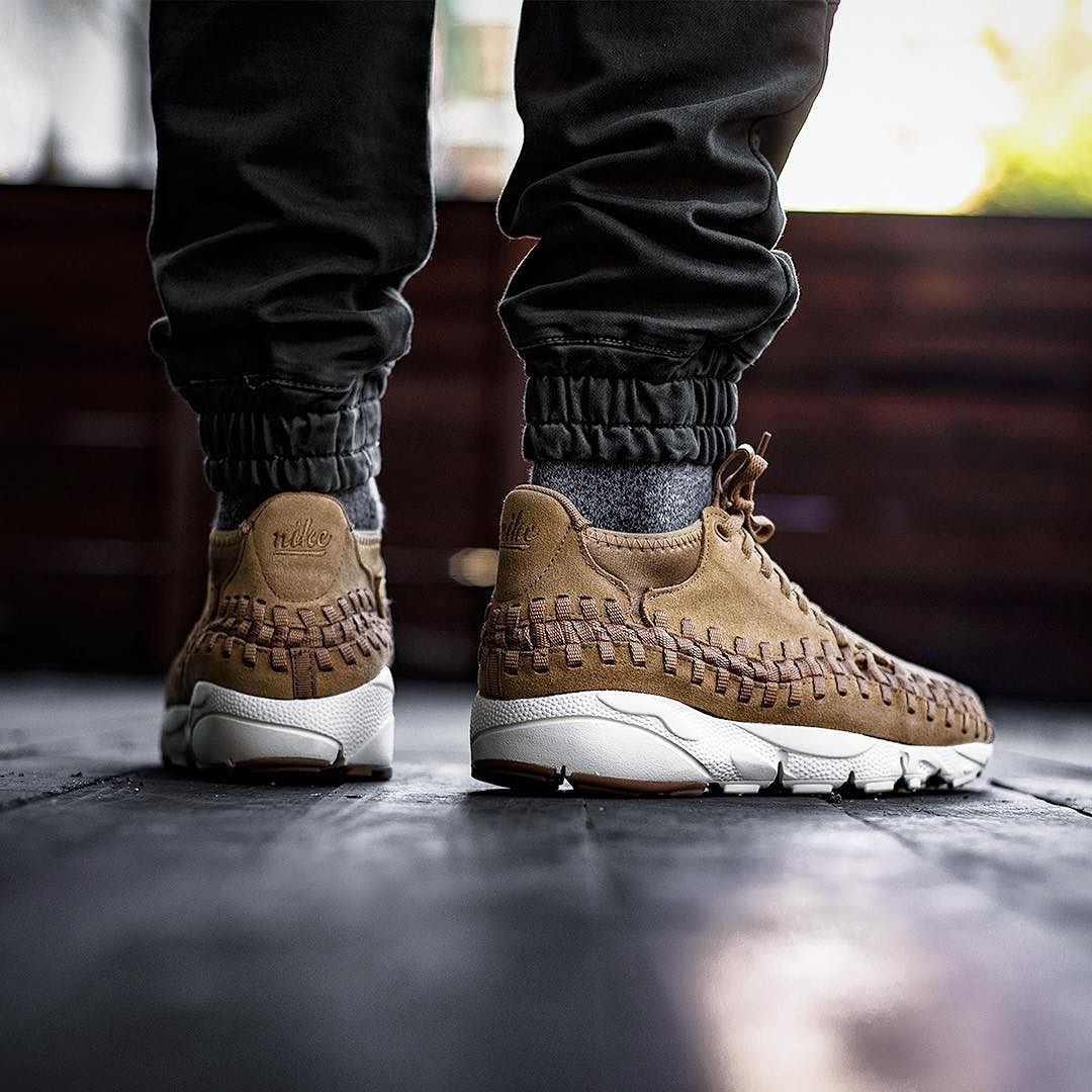 huge selection of 74285 ff34c NIKE AIR FOOTSCAPE WOVEN CHUKKA