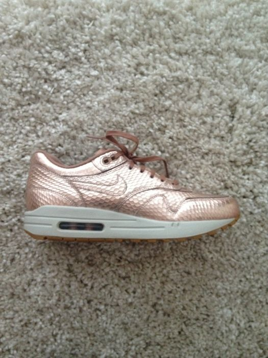 new arrival ce55f 37364 Nike Air Max 1 Cut Out Premium Rose Gold