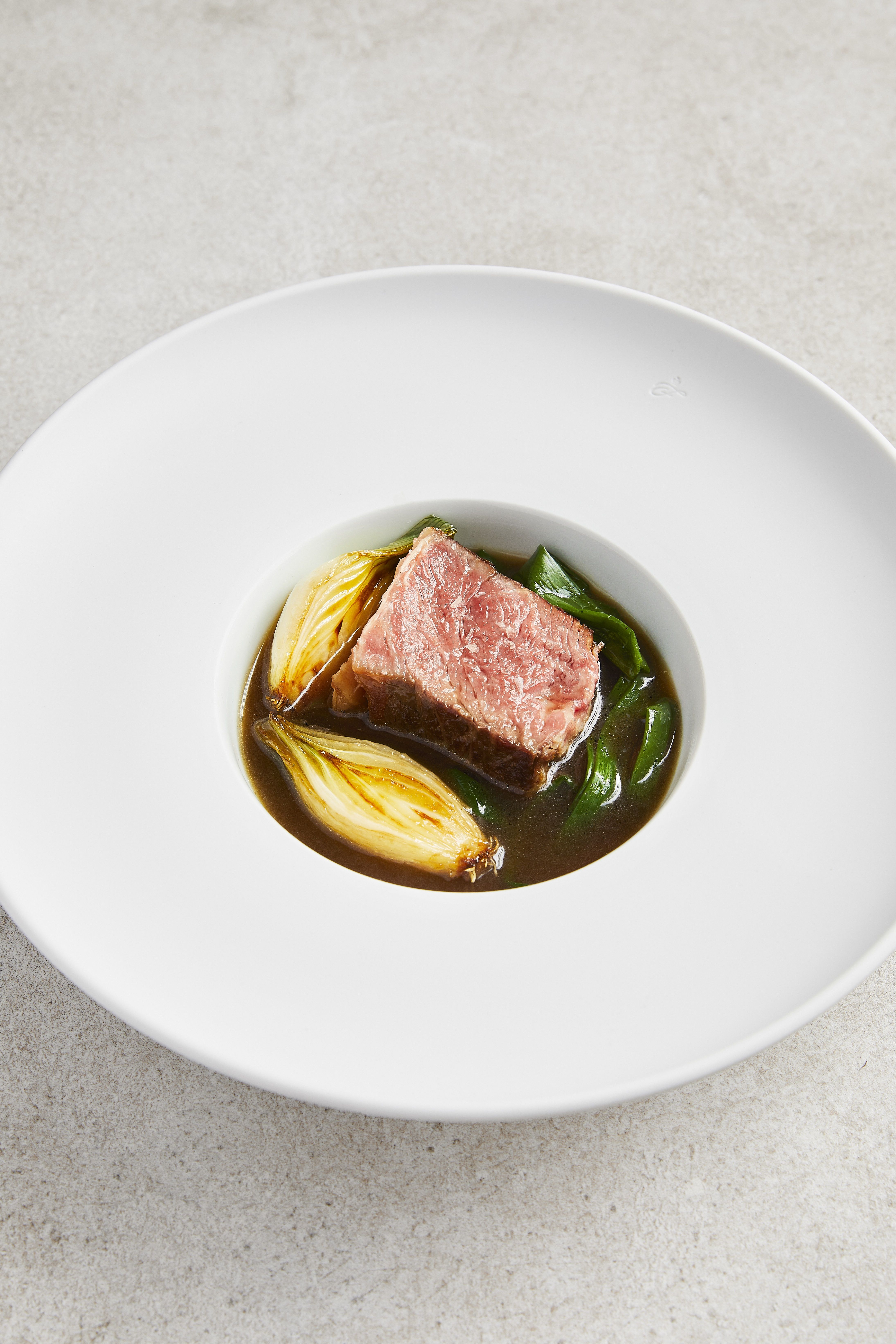 Beef Sirloin With Caramelised Onion Broth Great British Chefs Gourmet Food Plating Food Presentation