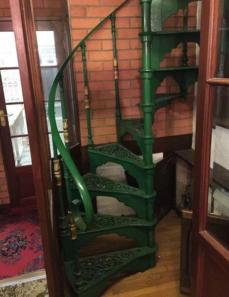 Best Cast Iron Reclaimed Spiral Staircase With A Landing Plate 400 x 300
