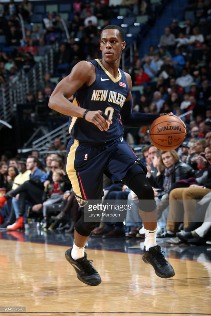 News Photo : Rajon Rondo of the New Orleans Pelicans handles.