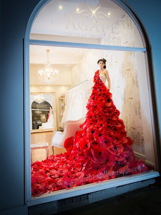 Unique Jewelry Displays poppy day window displ...