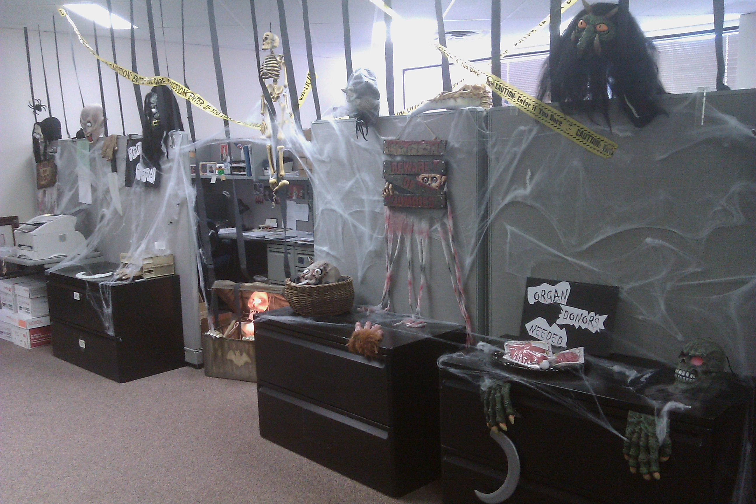halloween decorations for the office into our. Black Bedroom Furniture Sets. Home Design Ideas
