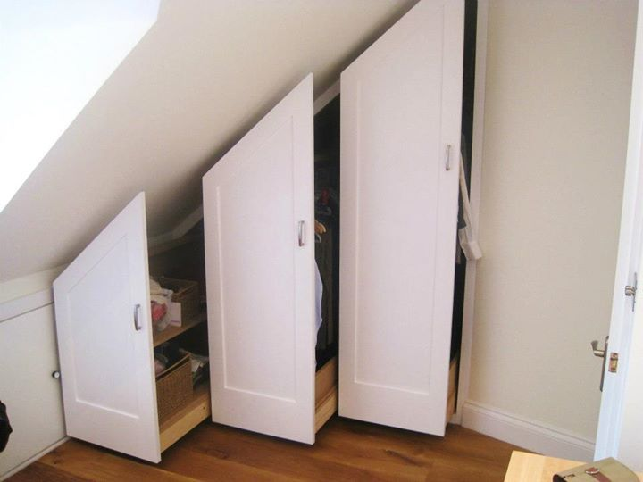 Under eaves pull out wardrobe storage bedford park for Eaves bedroom ideas