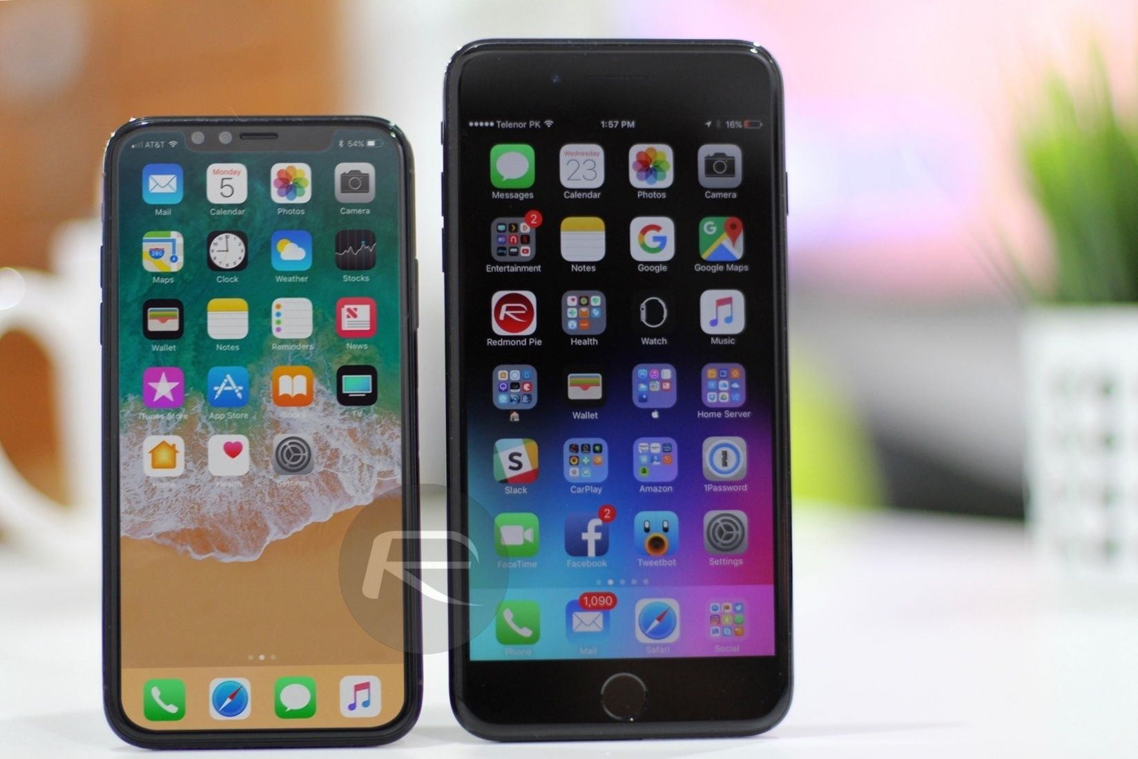 Here We Have The Iphonex Iphone8 Next To The Iphone7plus Same Screen Size But In A Much Smaller Body So Nice Find Out Iphone Iphone 8 White Iphone