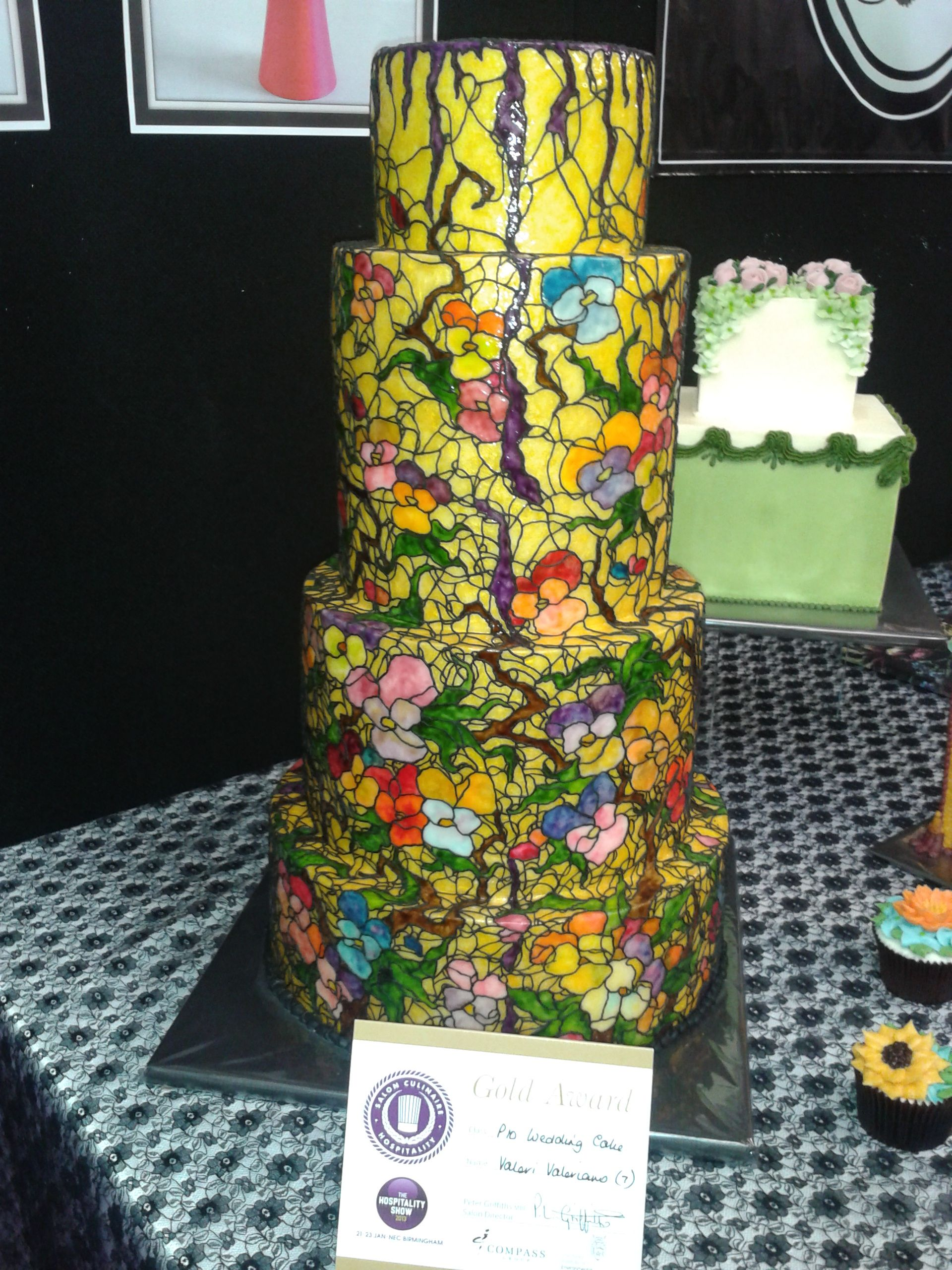 Amazing cake decoration and sugarcraft.