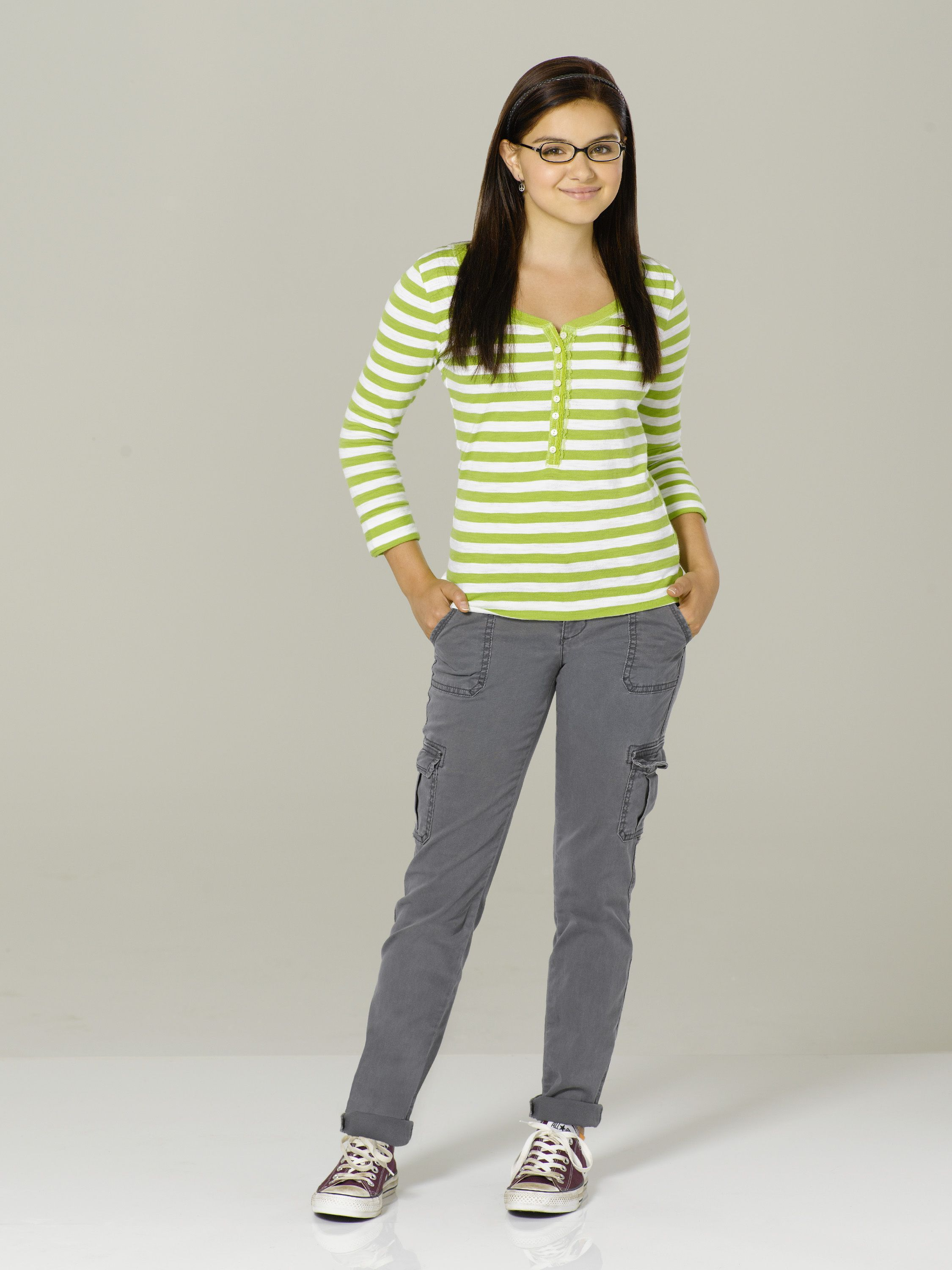 Ariel Winter As Alex Dunphy In Modernfamily Season 3 Ariel Winter Modern Family Ariel Winter Ariel Winter Young