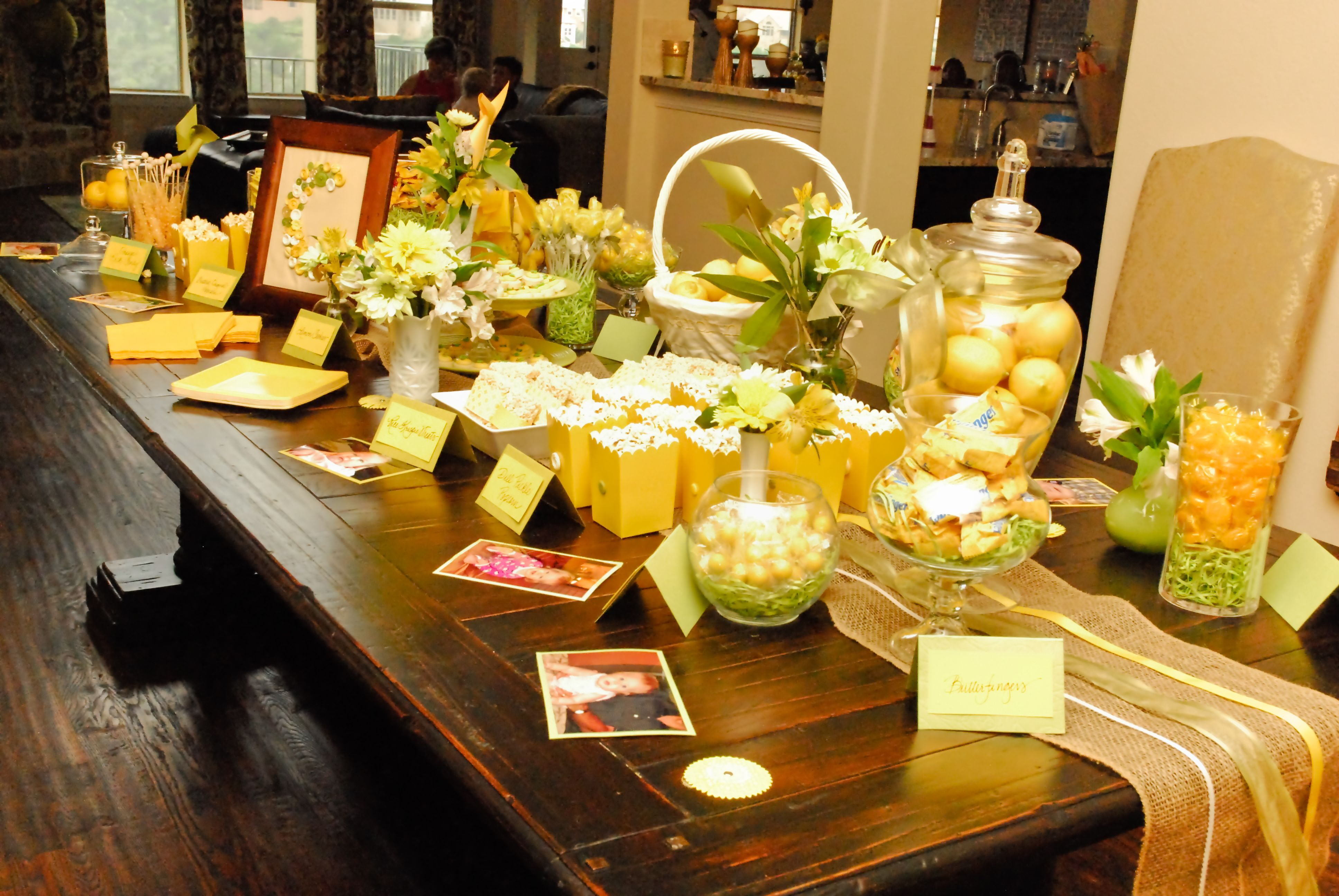 Table Decorations Using Lemon Yellow And Lime Green For Lemonade