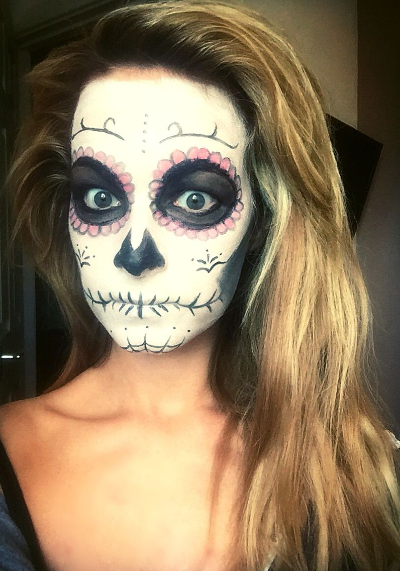 Day of the dead candy skull makeup Halloween ideas girl
