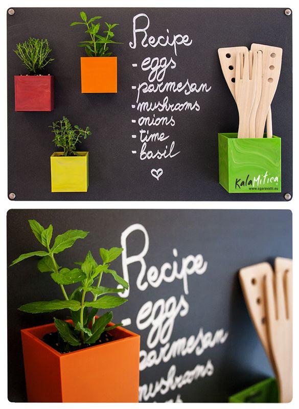 #Colore in cucina con #KalaMitica! #Vaso #Magnetico #magnets #pots Sgaravatti Trend | coprivaso | KalaMitica