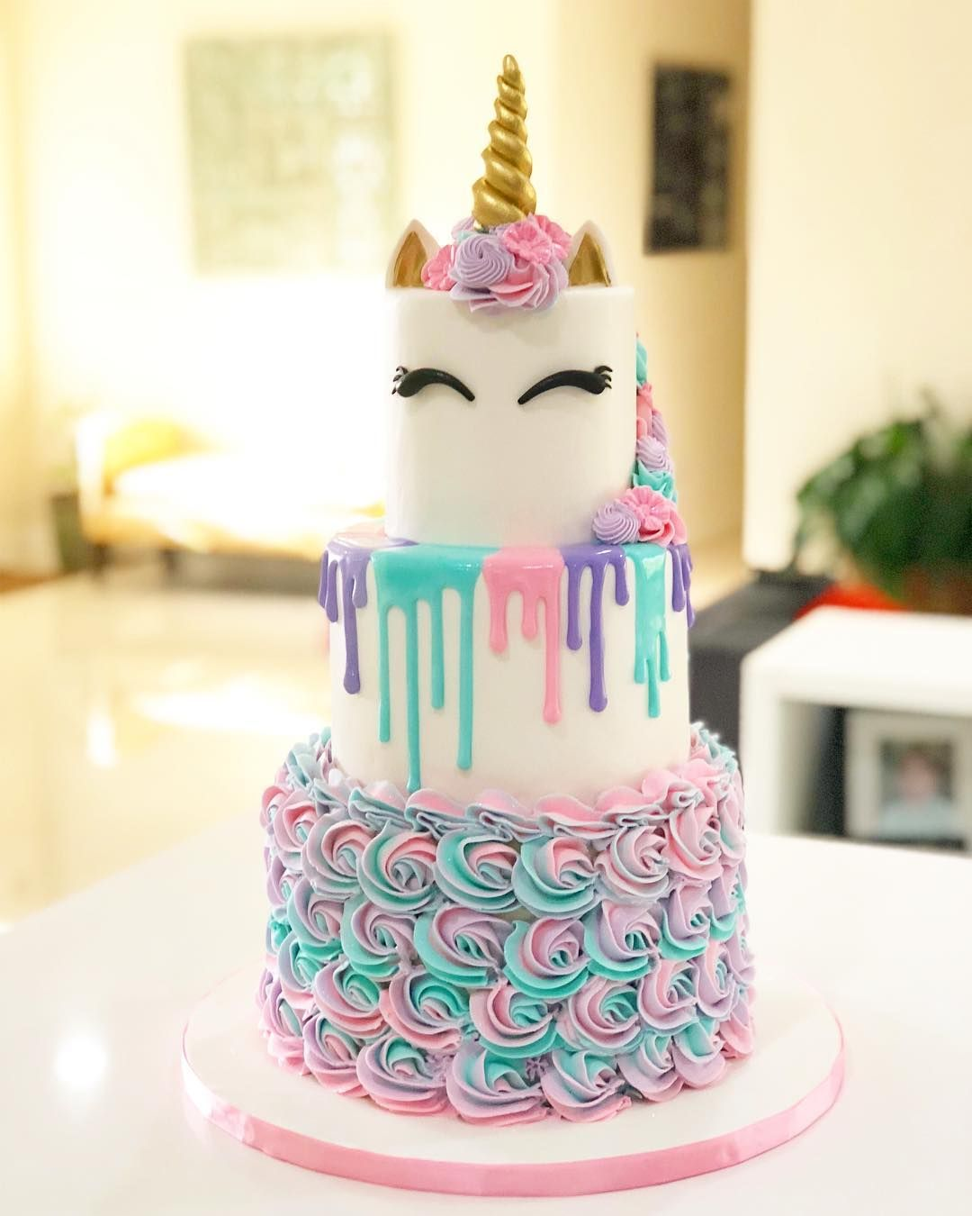 +15 Best Unicorn Cake & Party Decor Ideas Party cakes