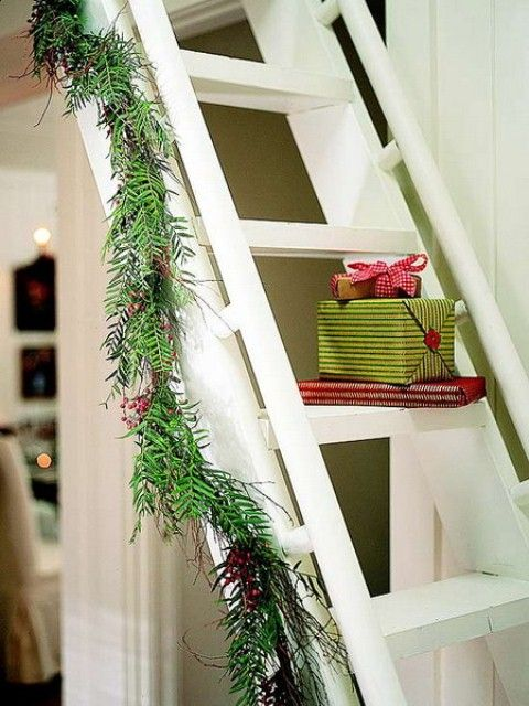 30 MESMERIZING STAIRS DECORATING INSPIRATIONS | Christmas ...