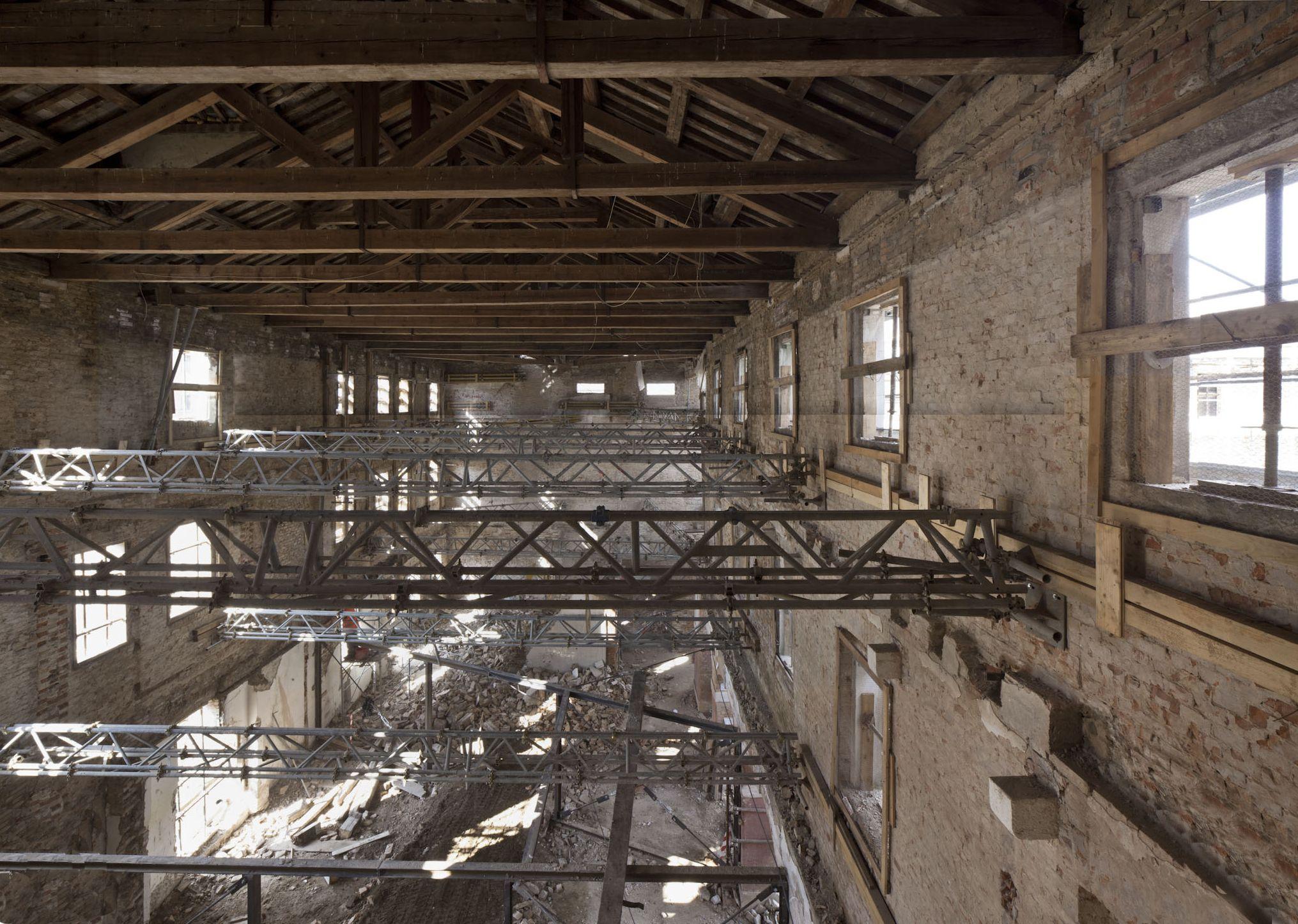 Demolizione Solaio In Legno.Demolizione Solai Interni E Ponteggi Di Forza 2014 Museum