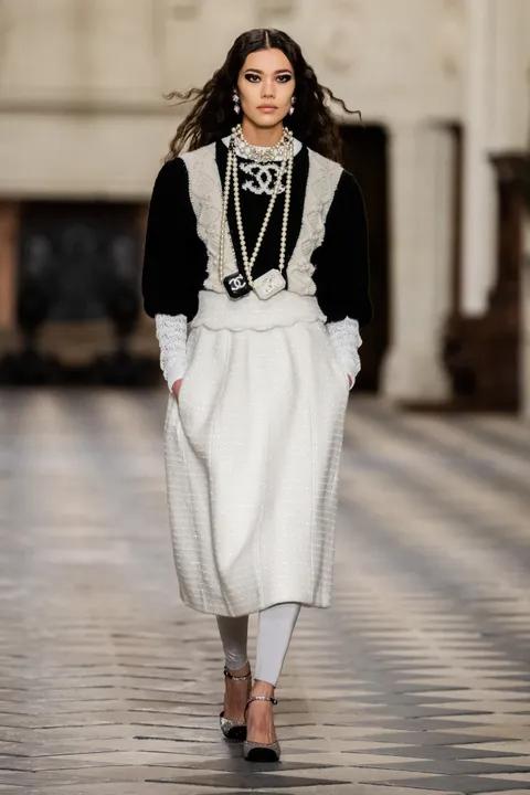 Jacquemus: primavera/verão 2021 | Vogue.pt | Desfile de