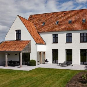 Vlassak verhulst villabouw klassiek landelijk tijdloos eik for Landelijk klassiek interieur