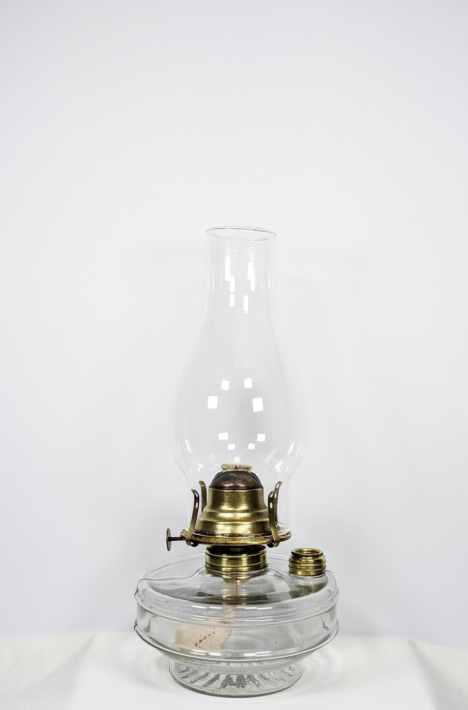 Oil Lamp Antique Glass Oil Lamp Kerosene Lamp Oil Lantern Victory Oil Burner Brass Fill Cap Hurricane Oil Lamp 1800 S Canada Vintage In 2020 Hurricane Oil Lamps Oil Lamps Oil Lantern