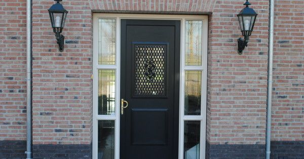House Wilnis plastic frames and door To create a character …