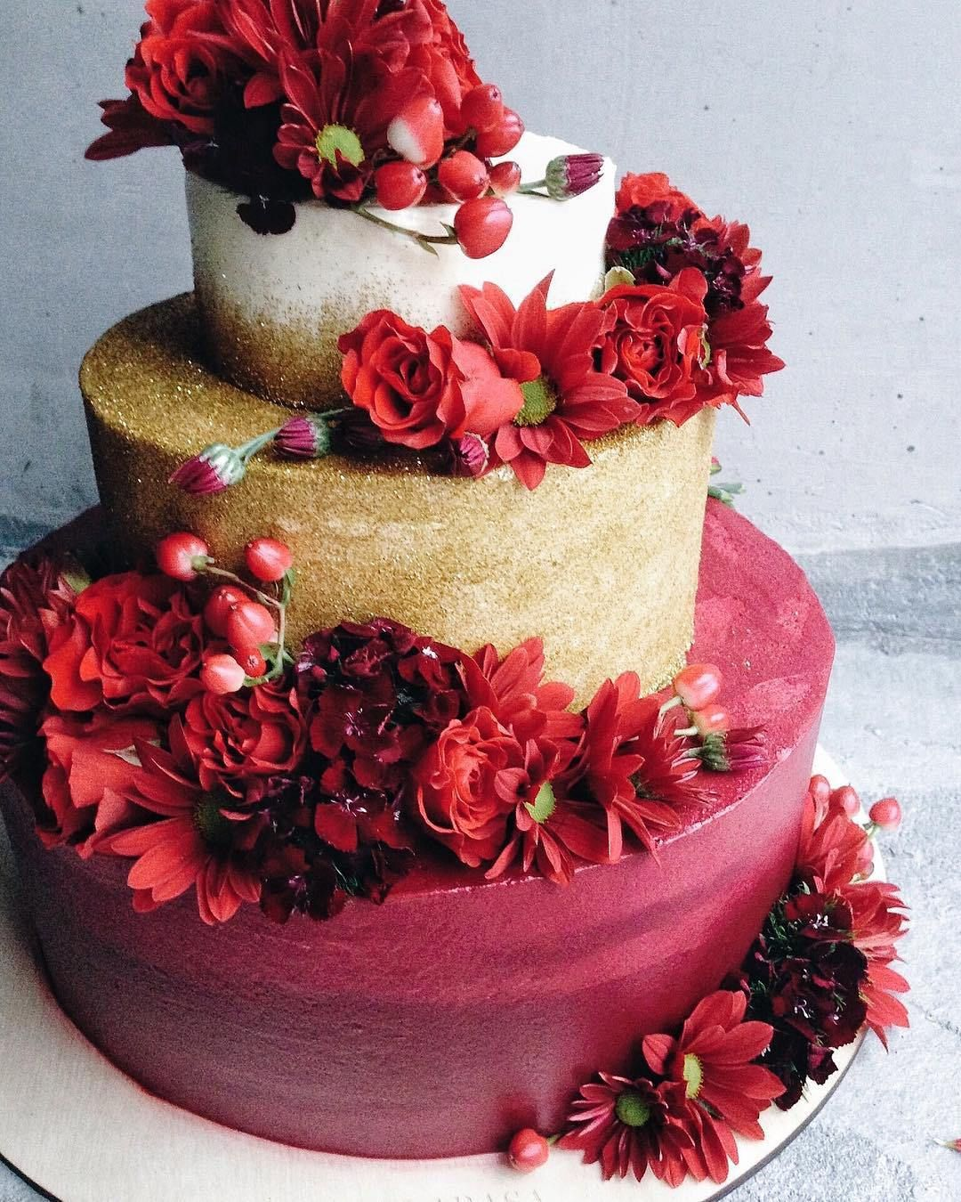 Red and Gold Wedding Cake inspiration