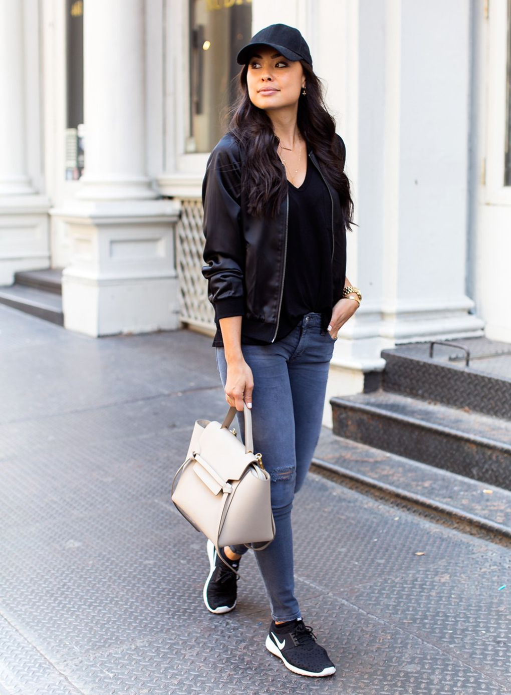 Sixteen Ways to Wear Bomber Jackets (With images) Comfy