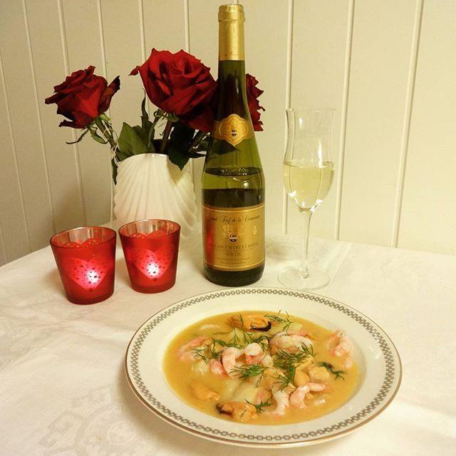Edel's Mat & Vin : Kremet fiskegryte med blåskjell & reker ♥♫♪